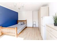 *A* SPACIOUS DOUBLE ROOM IN EAST INDIA/ALL SAINTS/LANGDON PARK!!