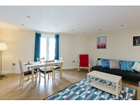 2 bedroom flat in Woodthorpe Road, Ashford, Surrey, TW15