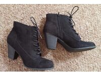 Size 7 Black Ankle Boots