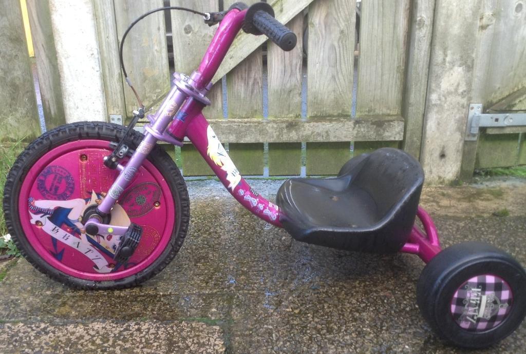 Girls Bratz Skidder Bike Suit Any Age Adjustable Seat Very Stylish