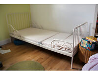 extendable single child bed (Ikea)