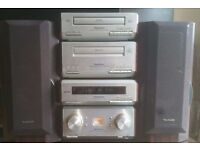 Technics Hifi system with remote in very good working condition.