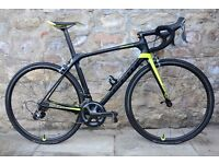 2017 GIANT TCR ADVANCED PRO 1 FULL CARBON ROAD RACING BIKE. 7.25KG. MINT. CARBON WHEELS. COST £2800.