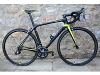 2017 GIANT TCR ADVANCED PRO 1 FULL CARBON ROAD RACING BIKE. 7.25KG. MINT. CARBON WHEELS. COST £2800