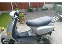 Piaggio Vespa ET4 cinquanta 49cc good condition very low mileage