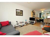 Crusoe Mews, 2 bed house, great location located of Grayling Road so ideal for school
