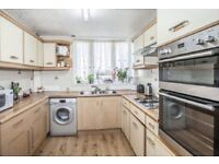 GOOD SIZE 3BED ** 1.5BATH ** GARDEN ** REGENTS CANAL ** DE BEAUVOIR ** FURNISHED ** CHEAP **