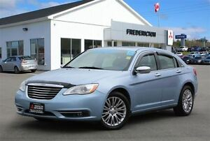 2012 Chrysler 200 LIMITED! REDUCED! LEATHER! NAV!