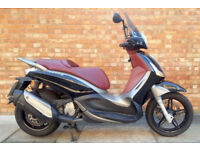 Piaggio Beverly 350 ST (62 REG) in black, Good condition, Only 10469 miles!