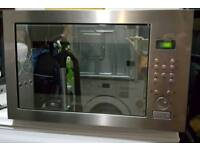Hotpoint Integrated 900w Microwave.