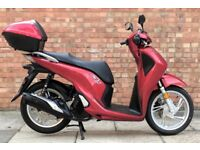 Honda SH 125 (17 REG), *NEW SHAPE*, LESS THAN 6 MONTHS OLD, One owner, Keyless, Only 400 Miles!