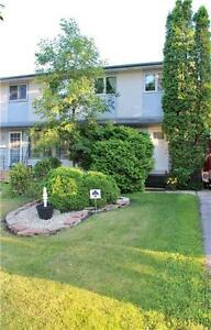 Cozy 3 Bedroom House in Charleswood