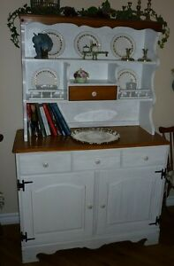 Roxton Maple Buffet and Hutch