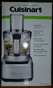 Cuisinart 8 Cup Food Processor (FP-8SVC), 350 Watts. BNIB