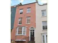 9 Bedroom ensuite rooms house to rent Clifton