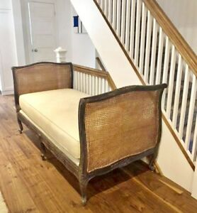 Reproduction Louis XV day bed