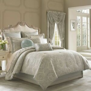 COLETTE COMFORTER BEDDING BY J QUEEN  NEW YORK