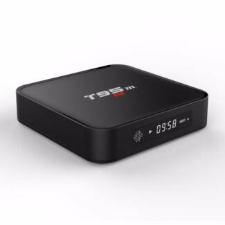 Internet TV Box S905 Quad-core CPU 4K 3D cloud IPTV 8G flash