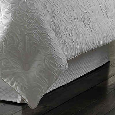 J. Queen New York Astoria Comforter Set - White - Size: King