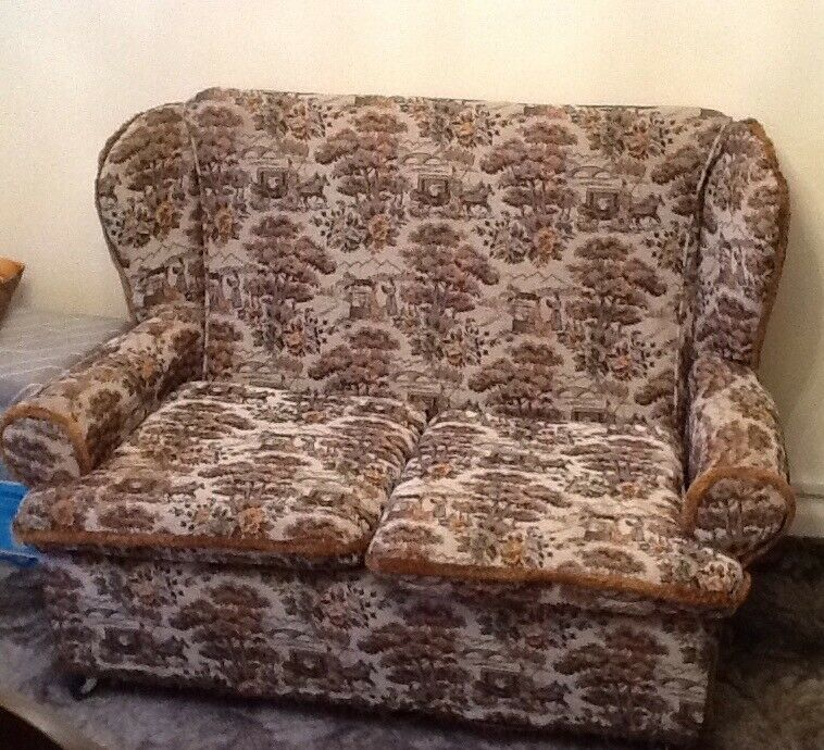 Free To Collector Small Cottage Style Sofa