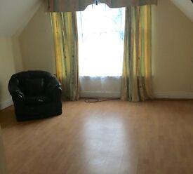 TOP FLOOR 1 bed Flat, Handsworth Wood Road, £495pcm