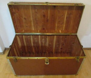Mid Century Vintage Cedar Chest - Steamer Trunk – Mid Sized