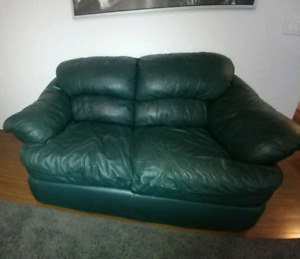 Green leather sofa & loveseat