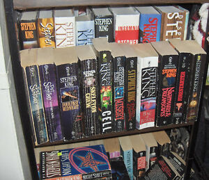 Large Group of Stephen King Soft Cover  Pocket Books