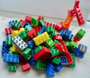 100 pieces Mega Blocks + JAMES - THOMAS  Tank
