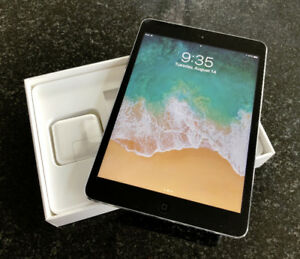iPad mini 2 / 16 Gb + Smart Leather Case - MINT