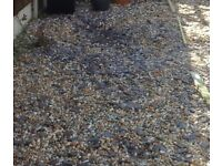 Garden Pea Gravel and Blue Slate Chippings