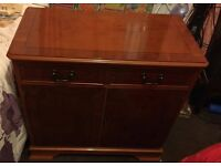 Sideboard/Cabinet with lock and key. Good project piece !
