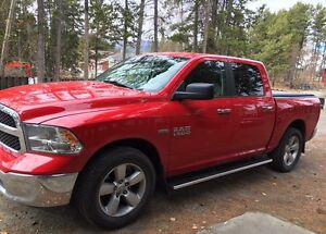 2016 Dodge Ram 1500 SLT Crew Cab 4x4 HEMI 5.7 ft bed