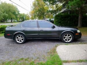 2001 Nissan Maxima - 20th Edition - with winter tires