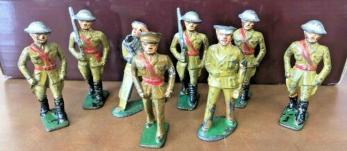 LOT OF 8 VINTAGE LEAD WWII WW 1TOY SOLDIERS ARMY MEN