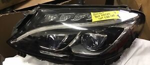 Mercedes Benz C300 Headlight | Kijiji in Ontario  - Buy