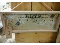 Key hooks shabby
