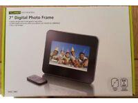 "Technika 7"" Digital Photo Frame"