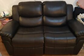 2 SEATER BLACKFAUX LEATHER RECLINGING SETEE