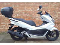 Honda PCX 125, Immaculate condition with ONLY 770 miles