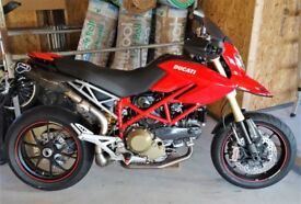 2008 Ducati Hypermotard 1100S JUST 150 MILES FROM NEW WITH OVER £3000 OF EXTRAS AS NEW THROUGHOUT