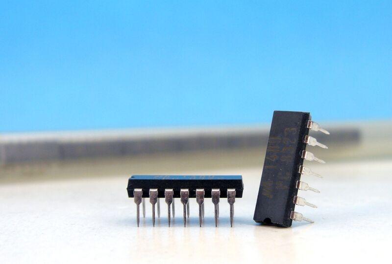 UM8259A-2 UM8259 8259 UMC IC