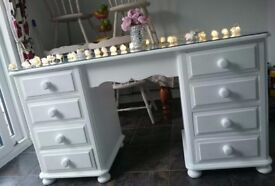 Solid wood white dressing table with glass top
