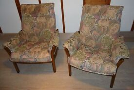 ERCOL 2 SEATER SOFA AND 2 X ARMCHAIRS