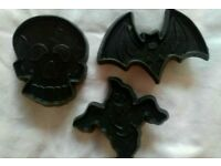 3 plastic Halloween cookie biscuit cutters