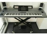 Yamaha Tyros 5 XL 76 Key Keyboard With Speakers