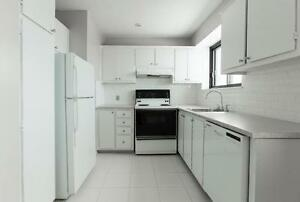 4 1/2 with 2 bathrooms BRIGHT & SPACIOUS in West Island West Island Greater Montréal image 3