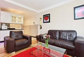 Cosy Two Bedroom Apartment - TOP LOCATION!
