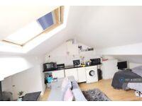 Studio flat in Tatton Road, Sale, M33 (#1210730)