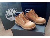 Almost new Timberland MEN'S ICON CHUKKA YELLOW/CHOCOLATE - UK Size 6.5